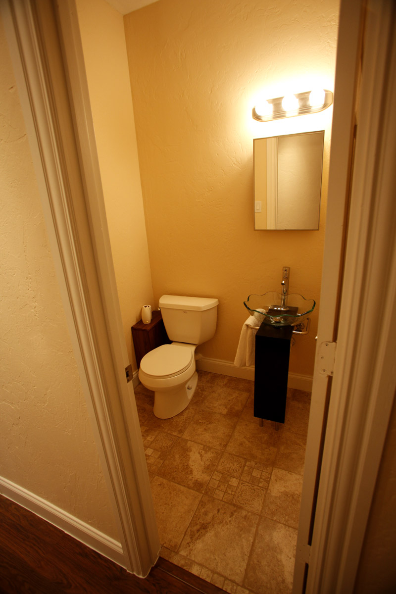 Dallas_photography_video_room_restroom_area